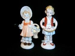 2 db régi német Lippelsdorfi porcelán: kislány virágkosárral és gombát szedő kislány