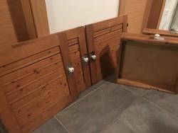 Retro tömörfa konyhabútor ajtók és fiókok porcelán fogantyúkkal, 5 db
