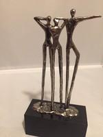 Holland neves szobrásztól: Vízió című jelzett szobor (N)
