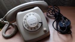 Retró drapp színű, tárcsás telefon