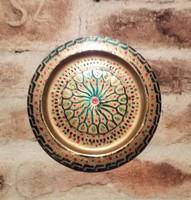 Sárgaréz dekoratív fali tányér