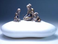Anya gyermekeivel bronz szobor miniatúra