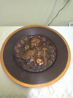 Szent Istvánt ábrázoló bronz falitányér.