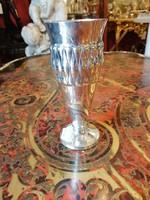 Ezüst talpas  váza.