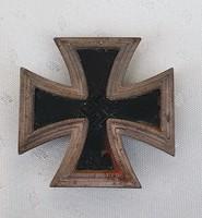 2.Vh.Náci német  vaskereszt Anyaga ezüst. (fogja a mágnes, jelzett)