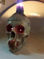 Régi Extrém világító szemű életnagyságú koponya eladó!