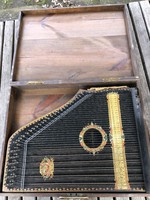Menzenhauser Gitár-zitera