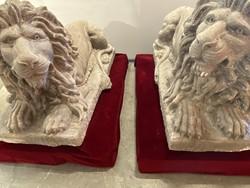 Faragott kő oroszlán pár - M061