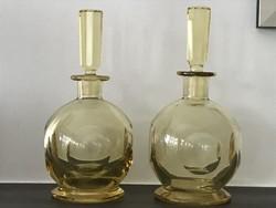 Gömb alakú, hántolt citrinüveg likôrős üvegek