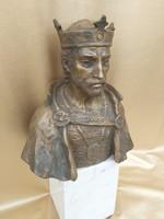 Szt. István csodálatos bronz szobra. Gera Katalin
