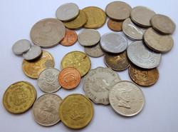 Közel- és Távol-Kelet váltópénz pénz érme pénzérme kupac
