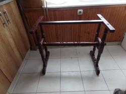 Faragott asztalláb