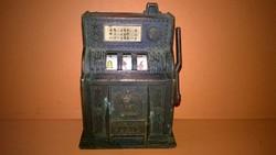 Figurális ceruzahegyező - játékgép - félkarú rabló , íróasztal vagy polcdísz