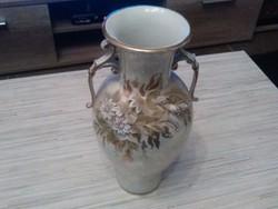 Virágos porcelán váza.