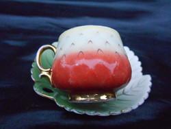 Zsolnay 1880-as évek, eper csésze és csésze alj. Igazi antik, gyűjtői csemege.