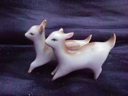 Zsolnay kecske pár, porcelán szobor. Sérült, fotók szerinti állapotban.