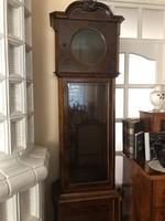 Antik kétsúlyos álló óra.