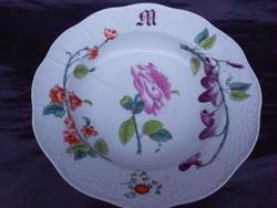 1880-as évek.Antik, Herendi, óherendi tányér. Ritka, dús virág motívummal.Szalagos jelzés