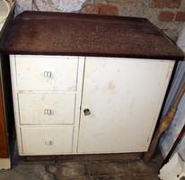 Ritka régi szekrény