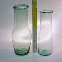 Halványzöld, halványkék tejes hutaüveg 2 db (1482)