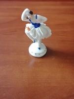 Jelzett tüllszoknyás balerina figura