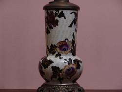 Nagyméretű asztali porcelán petróleum lámpa