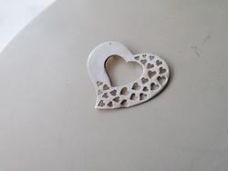 Ezüst nagyméretű szív medál áttört szívecskékkel 925