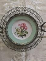 Porcelán asztalközép fémkerettel