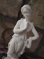 Olasz alabástrom  hölgy márvány talapzaton