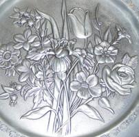 Virágos ón falitányér