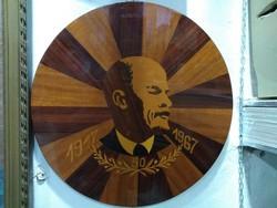 Intarziás Lenin falidísz