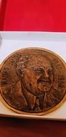 Kádár János bronz plakett