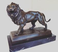 Bronz oroszlán Charles Valton