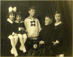 0L865 Jelzett művészi családi fotográfia 1931