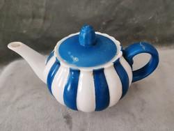 Habán teáskancsó, pirogránit, restaurált füllel, XIX. századi