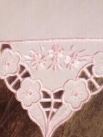 Gyönyörű dísz zsebkendő