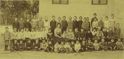 0L898 Antik iskolai csoportkép osztálykép 54 fő