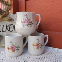 Drasche hasas virágos bögre, pocakos porcelán bögre nosztalgia darab paraszti falusi dekoráció