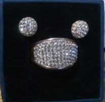 Új!Eredeti Swarovski Kövekkel  Ezüst Gyűrű  Nagyméretű és Ezüst Fülbevaló Eredeti Dobozában