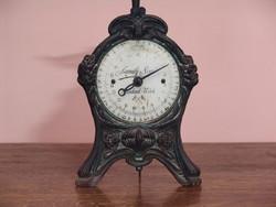 Antik patinás óra kijelzésű mérleg