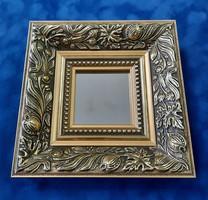 Miniatűr díszes arany keretben mini tükör