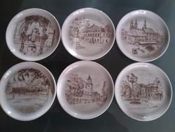 Porcelán söralátétek a Göttingeni Egyetemről Alsó-Szászországból.