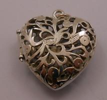 Ezüst szív áttört kinyitható cizellált függő különleges 925-ös