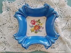 Gyönyörű, jelzett, sorszámozott Ilmenau kék, virágos porcelán kínáló