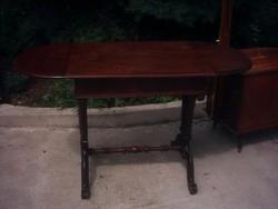 Nagyon öreg asztal