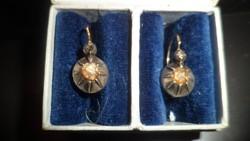 Antik arany fülbevaló gyémántokkal