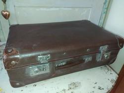 Kisméretű vintage bőrönd
