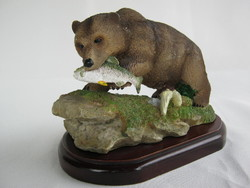 Halat fogó barna medve