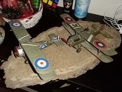 Első világháborús duplafedeles repülőgépek Sopwith Camel és S.E. 5a