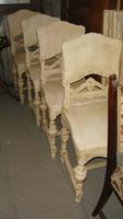 Négy darab felújított étkező szék.